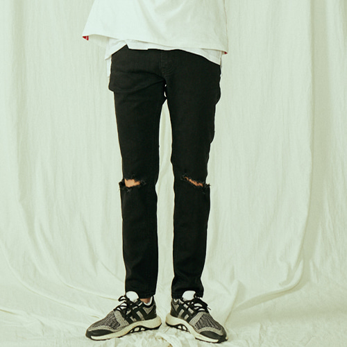 [BLEDITION_블레디션] DESTROYED SLIM STRAIGHT FIT BLACK JEANS